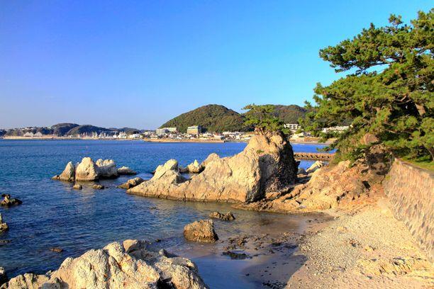 Hayama on suosittu rantalomakohde Japanissa.
