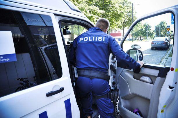 Poliisille ilmoitettujen rikosten määrä laski 20 prosenttia, mutta ilmoitettujen seksuaalirikosten määrä kasvoi 10 prosenttia.