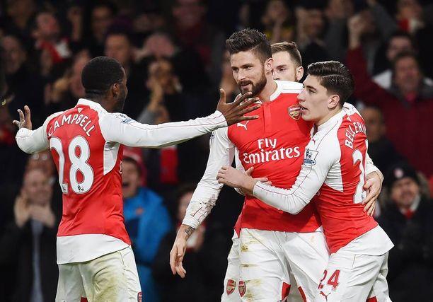 Arsenal-fanit toivovat Olivier Giroud'n maalivireen jatkuvan tänäkin iltana.