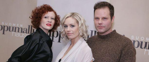 Uusia mallikokelaita arvioi tälläkin kaudella Saimi Hoyer, Anne Kukkohovi sekä Sakari Majantie.