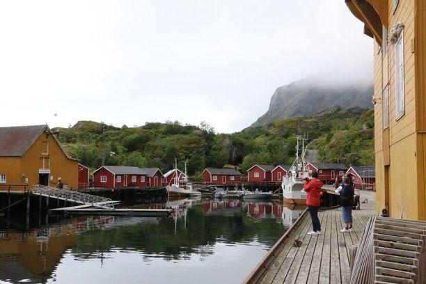 Vanha Nussfjordin kalastajakylä on kunnostettu kokonaan matkailukäyttöön. Kylään pääsee vain pääsymaksun kera.