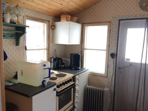 Keittiö rakennettiin vanhaan varastoon.