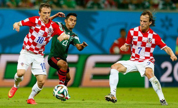 Luka Modricin ja Ivan Rakiticin tähdittämässä Kroatian joukkueessa vaimot ja tyttöystävät eivät ole tervetulleita pelaajien huoneisiin.