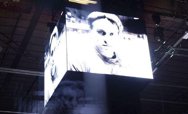 Hakki-video säväytti Helsingin jäähallissa.
