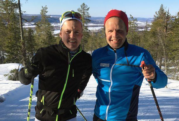 Sami Jauhojärvi (vas.) ja Jussi Eskola tulkitsevat jatkossakin hiihdon huippukisoja tv:ssä.