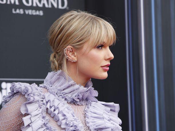 Laulaja Taylor Swift ei arvostanut toimittajan seksististä kysymystä.