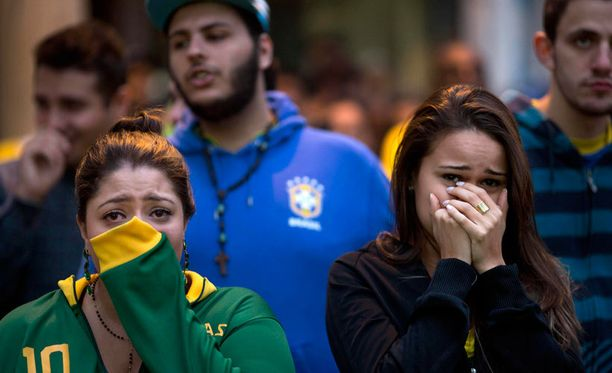 Saksan murskaava meno sai nämä brassineidot kyyneliin Sao Paulossa.