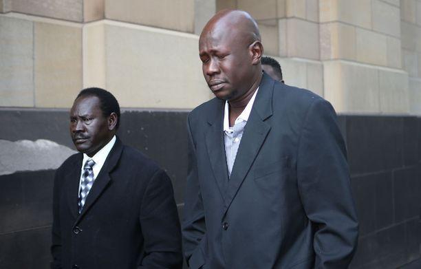 Guoden salarakas ja neljän lapsen isä Joseph Manyang menetti tragediassa kolme lastaan.