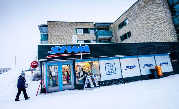 Muun muassa Rovaniemen Veitikanteillä sijaitseva Siwa on suljettavien joukossa.