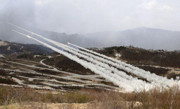 Etelä-Korea harjoittelee mahdollisen pohjoisen naapurin hyökkäyksen torjumista yhdessä USA:n kanssa.