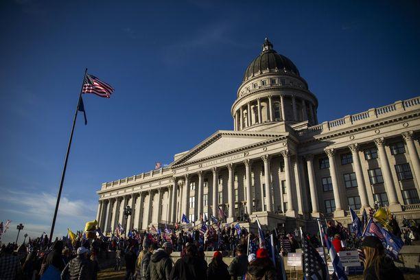 Kevin Seefriedin poika jäi kiinni poliisille kehuskeltuaan työkaverilleen olleensa mukana tunkeutumisessa Capitoliin.