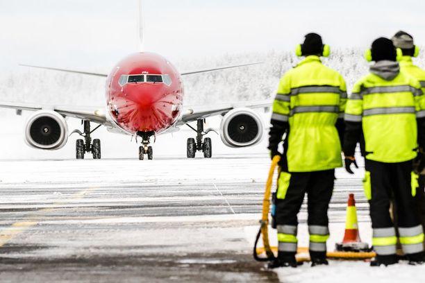 Ammattiliitot ovat laatineet pirulliset lakkorajat. Työtaistelut on taktikoitu siten, että ne minimoivat lakkoavustukset mutta niistä aiheutuu mahdollisimman suuri haitta matkustajille ja yhtiöille.
