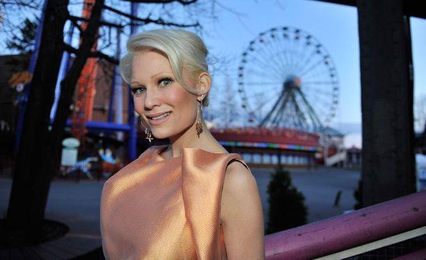 Ruotsissa asuva Linda Lampenius on menestyvä viulisti ja kysytty muusikko.
