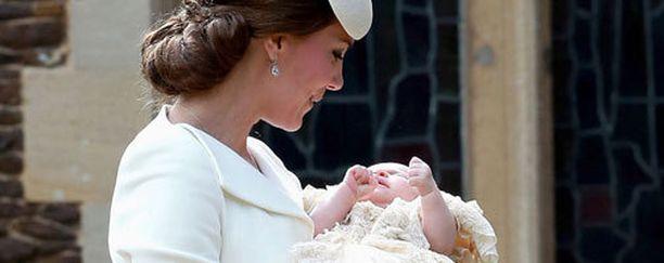 Herttuatar Catherine ja prinsessa Charlotte.