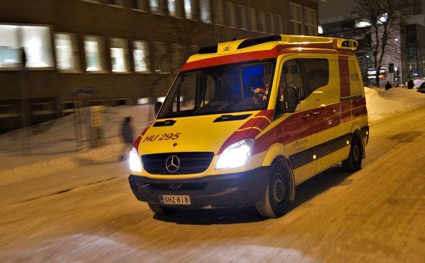 Tapaus sattui viime marraskuussa Helsingissä. Nopea apua pelasti nuoren miehen. Kuvituskuva.