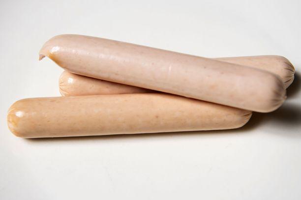Broilerinakeissa on myös säilöntäaine E250:tä. Energiaa sadassa grammassa on 250 kcal, rasvaa 21 grammaa, josta tyydyttynyttä rasvaa 3,9 grammaa. Proteiinia on 14 grammaa ja suolaa 1,9 grammaa.