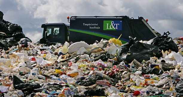 Ämmässuon jätteenkäsittelykeskus Espoon Kolmperässä vastaanottaa pääkaupunkiseudun yli miljoonan asukkaan ja 50 000 yrityksen jätteet.
