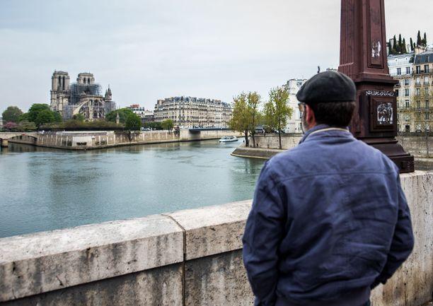 Notre Dame, Meidän Rouvamme, on ranskalaisille kansallissymboli ja sen osittainen tuho oli valtaisia järkytys.