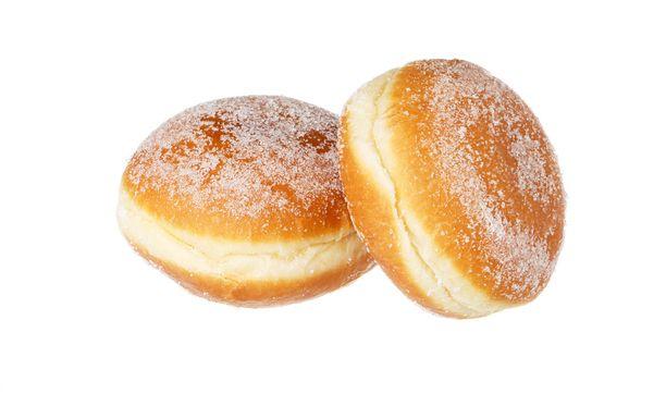 Tutkijatohtori Taru Lindblomin tutkimuksesta paljastuu myös, että pienituloiset käyttävät edelleen suuremman osan elintarvikemenoistaan sokeriin kuin muut tuloluokat. Pienituloiset myös syövät vähemmän kasviksia kuin muut tuloluokat.