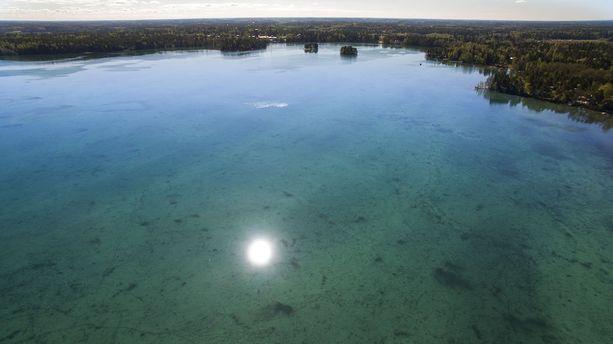 Littoistenjärven vesi on nyt uskomattoman kirkasta.