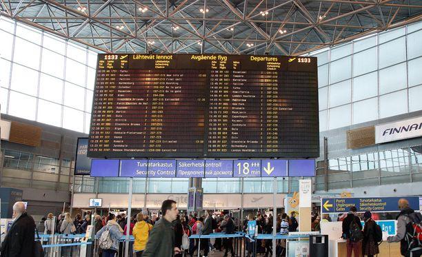 Työ- ja elinkeinoministeriö päätti tänään siirtää hiihtolomien lentoliikennettä uhanneita työnseisauksia