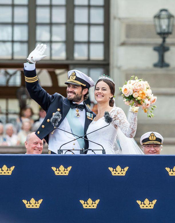 Prinssin ja prinsessan häät kestivät aamuun saakka. Pariskunta vihittiin 13.6.2015 Tukholmassa.