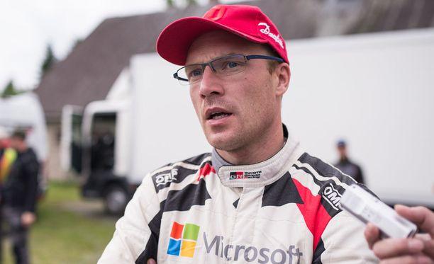 Jari-Matti Latvala ei usko Esapekka Lapin mestaruusmahdollisuuksiin vielä ensi kaudella.