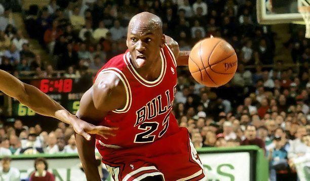 Michael Jordan voitti Jeremy Roenickille häviämänsä rahat takaisin illalla.