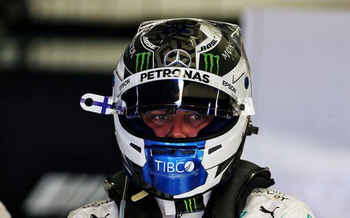 Valtteri Bottakselta uskomatonta dominointia! Kolmas perättäinen paalupaikka – Kimi Räikkönen jäi sijalle 14