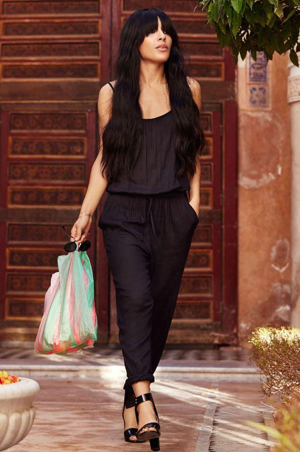 Loreenin suosikki kevätmalliston vaatteista on musta jumpsuit.