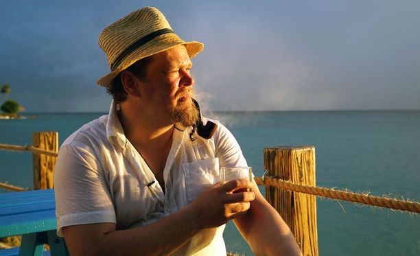Ville Haapasalo tutustuu sarjassaan Karibian kohteisiin.