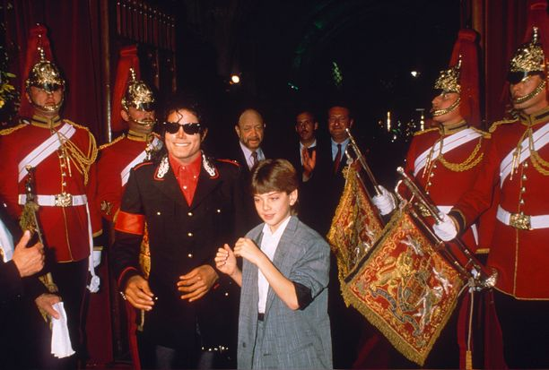 Michael Jackson ja Jimmy Safechuck Lontoossa 1988.