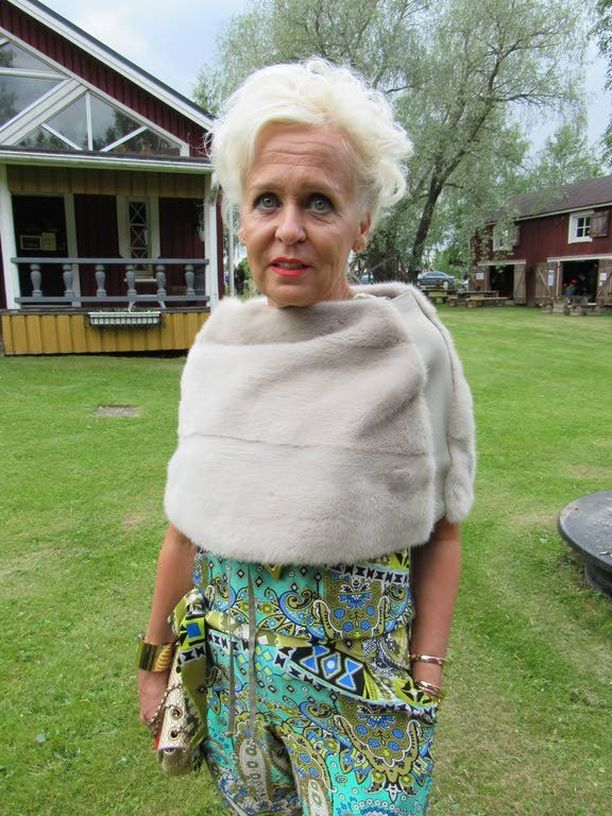 Sari Harvia-Jyllinmaa on maailman kuuluisimman saunakiukaiden valmistajan Harvian perustajan Tapani Harvian tytär.