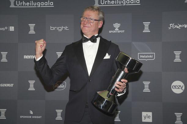 Markku Kanerva ja Huuhkajat putsasivat palkintopöydän Urheilugaalassa.