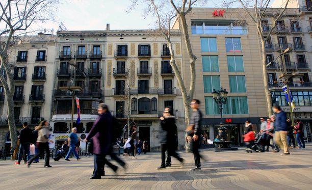 Ramblasin alue on suosittu turistialue Barcelonassa. Arkistokuva.