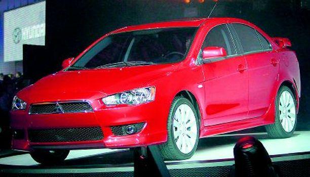 KIINNOSTAVA Mitsubishi Lancer on eurooppalaisittain yksi kiinnostavimmista malleista Detroitista, sillä vastaava Lancer nähdään vanhalla mantereella jo tämän vuoden lopulla.