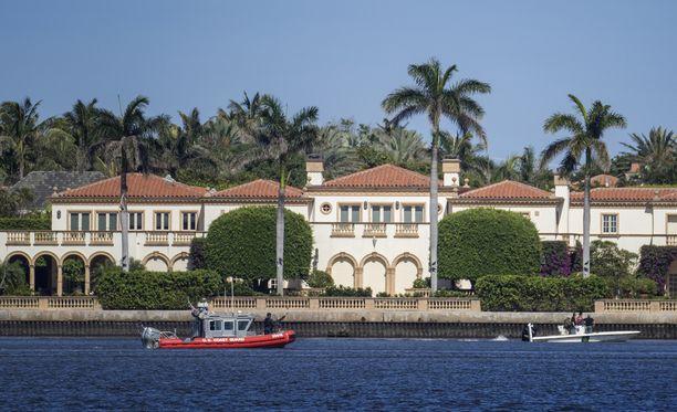 Donald Trump on kutsunut Floridan lomahuoneistoaan ja klubiaan talvikuukausien Valkoiseksi taloksi.