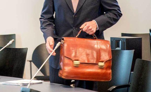 Kysely lähetettiin elo-syyskuussa Suomen 981 tuomarille.