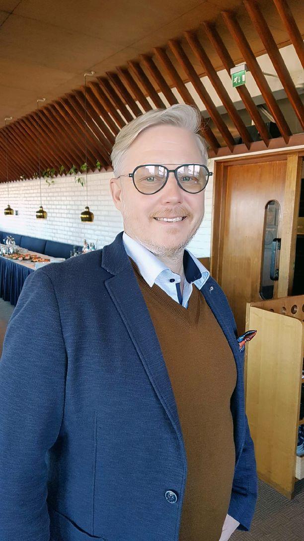 Jyrki Sukulan titteli tulee olemaan uudessa ravintolayhtiössä sisäinen tarkastaja.