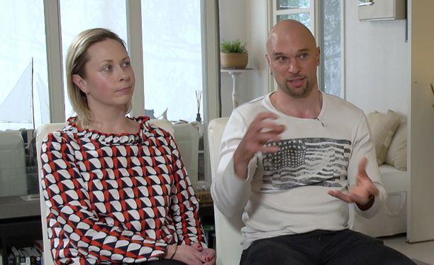 Marin ja Petrin käyntiä Tony Dunderfeltin luona oli kiusallista katsoa.