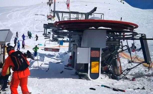 Kymmenkunta loukkaantui onnettomuudessa.
