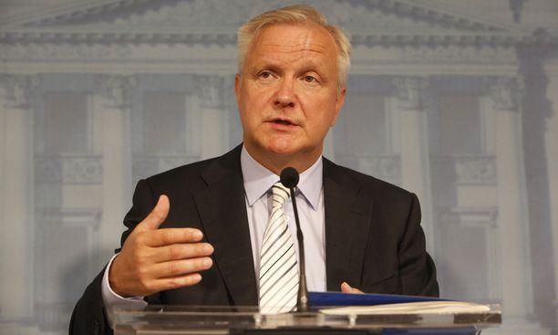 Elinkeinoministeri Olli Rehnin mukaan Fortumia ei painostettu lähtemään Fennovoima-hankkeeseen.