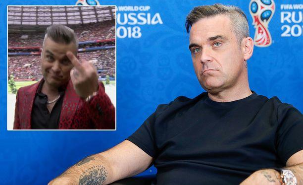 Robbie Williams kohautti MM-kisojen avajaisissa.
