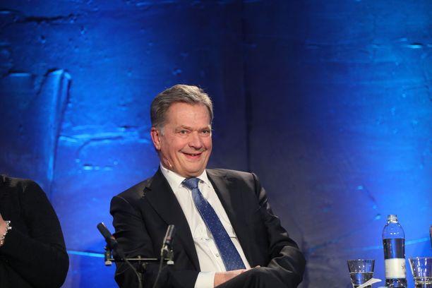 Niinistön kansansuosio on tutkijan mukaan poikkeuksellisen korkea. Kuvassa Sauli Niinistö Aamulehden ja Ylen presidentinvaalitentissä tammikuussa 2018.