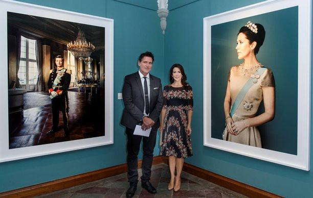 Tanskan kuninkaalliset, prinssi Frederik ja prinsessa Mary on ikuistettu uusiin potretteihin.