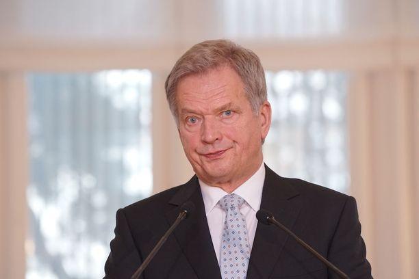 Presidentti Sauli Niinistö antoi vuoden ensimmäiset armahduspäätökset. Kahden vangin tuomio muuttui ehdolliseksi.