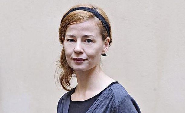 Suomessa kasvanut islantilainen Elin Petersdottir näyttelee suomeksi Pohjoismaiden huipulla.