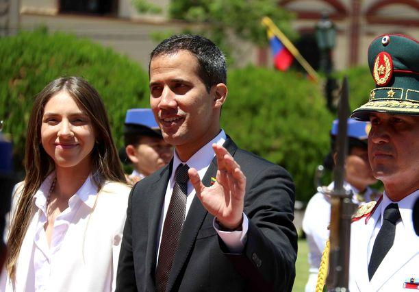 Guaidó on joutunut oleskelemaan ulkomailla, mutta palasin maanantaina Venezuelaan. Kuva viime viikolta Paraguaysta.