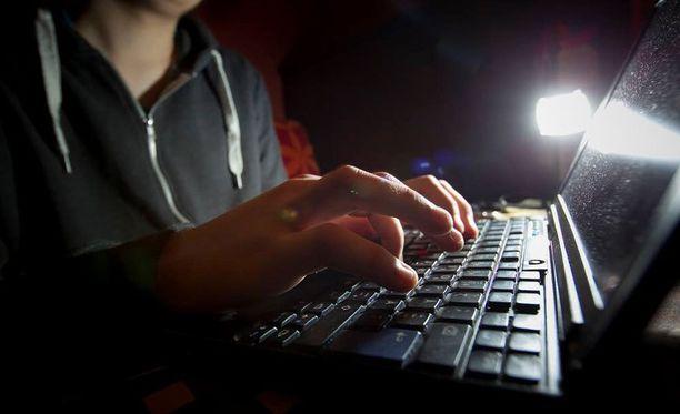 Verkkoon liitetyt älykodinkoneet ovat unohdettu tietoturvariski. Niiden kautta voidaan esimerkiksi lähettää haittaliikennettä internetiin.