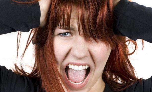 Kun keskittymiskyky on hapertunut, muisti pätkii. Se voi hermostuttaa ja pelottaa.